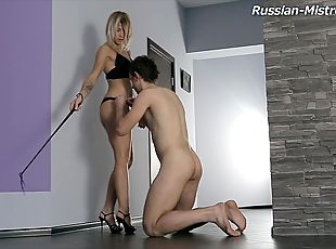 Thriving Russian diva with hot ass bending over to receive nice pussy licking in femdom shoot