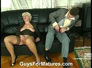 Lascivious mature chick having fucking break on sofa with kinky...