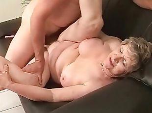 Fat grandma enjoying nasty sex