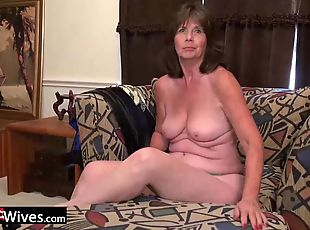 Older mature granny solo masturbation and anal toying