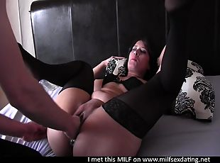 Lovely fisting and squirting MILF