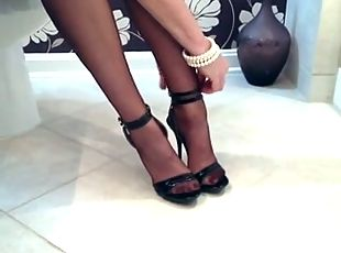 JUICY WIFE NYLON LEGS